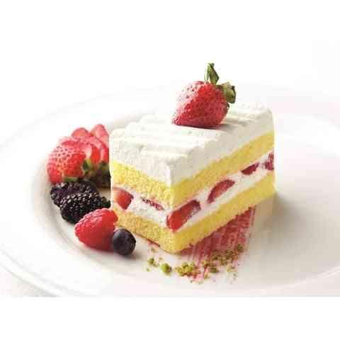 עוגת תות - נוזל אידוי בהתאמה אישית, בטעם עוגת תות המכילה תותים טריים, קרם שמנת ועוגה ספוגית בטעם שאי אפשר לעמוד בו ????