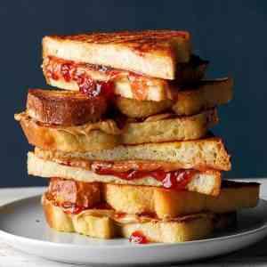 רד טוסט | Red Toast