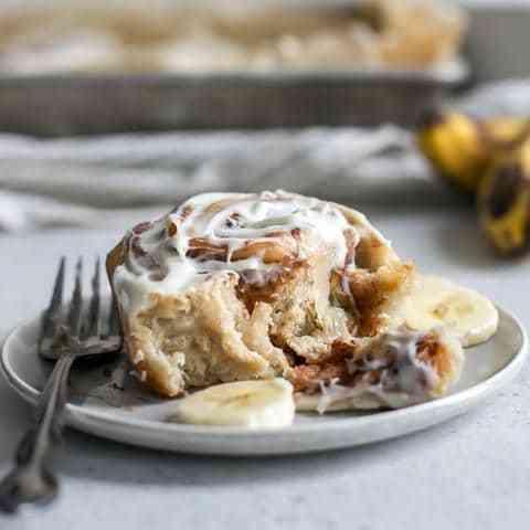 ספוטניק - נוזל אידוי בהתאמה אישית, בטעם מאפה קינמון אוורירי וארומטי ומעליו קרם בננה עדין ומיוחד.